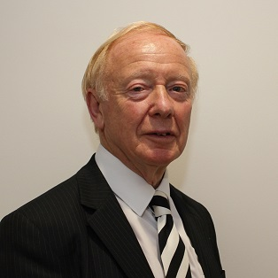 Photograph of Councillor R Sutcliffe